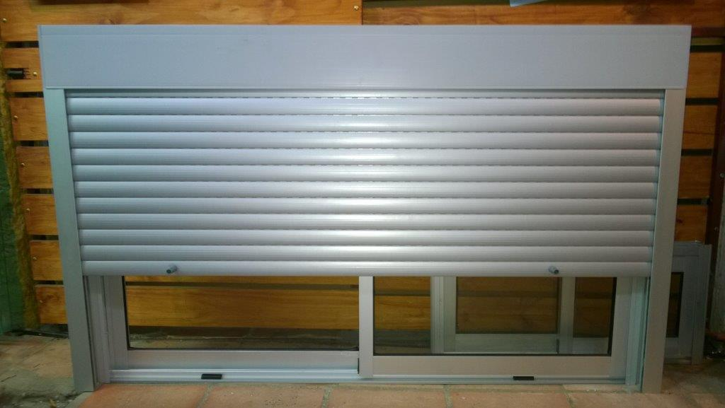 Senales furthermore 54 also Product info php further Milk Bar Tubular Mall Kiosk 64 further Vinyl Stack. on product info